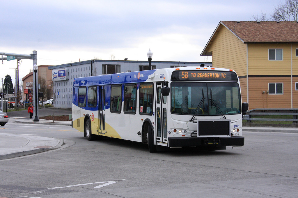 TriMet bus in Beabverton