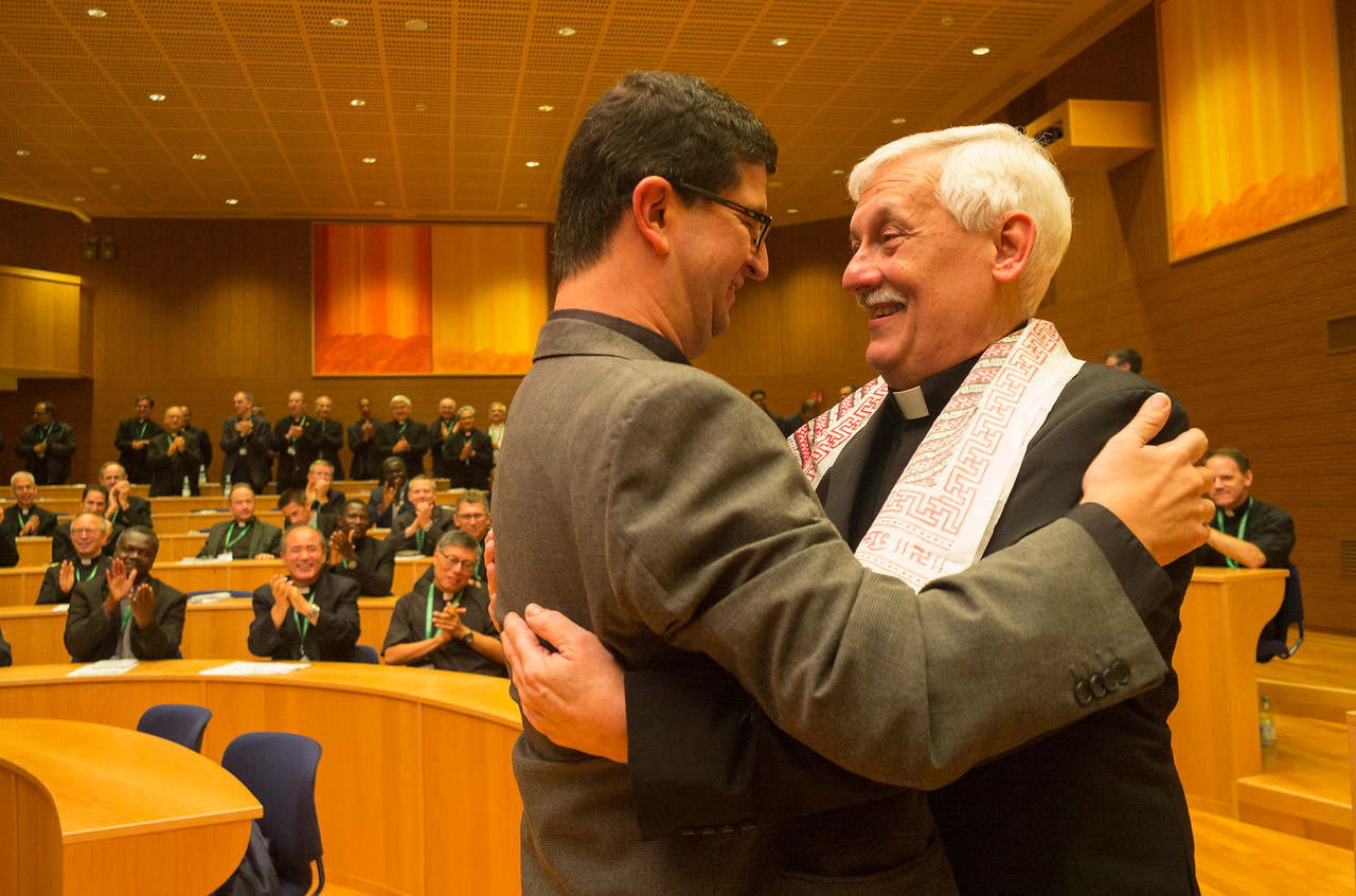 GC36 election of Fr. Arturo Sosa, of Venezuela, as Superior General of the Society of Jesus in the Aula by the Jesuits gathered from around the world.<br /> <br /> Peraza Celis, Arturo Ernesto VEN	Provincial congratulates Arturo Sosa, new General. They switch roles! Photo by Don Doll, SJ