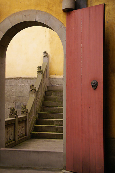 Blue Ribbon<br /> Beginner Color Class<br /> Doorway in Chongqing<br /> Della Landheer