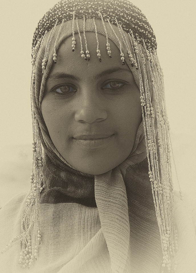 Yellow Ribbon<br /> Beginner Mono Class<br /> Egyptian Lady<br /> Della Landheer