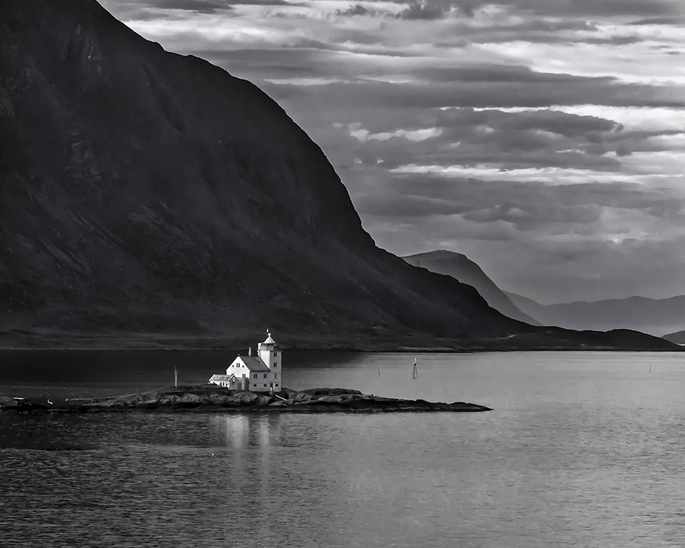 Yellow Ribbon<br /> Advanced Mono Class<br /> Norway Lighthouse<br /> Dave Garrison