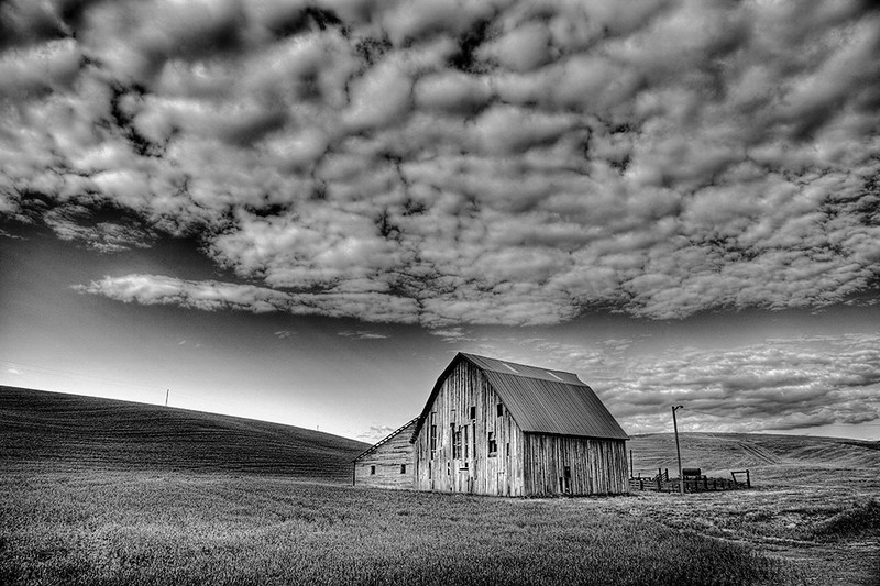 Blue Ribbon<br /> Advanced Mono Class<br /> Palouse Barn Scene 1<br /> Dave Garrison