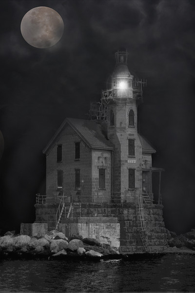 Honorable Mention<br /> Middle Ground Lighthouse<br /> Bob Bachand