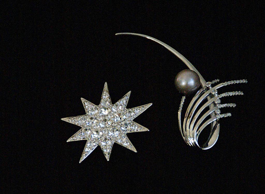 Honorable Mention<br /> Jewels<br /> Della Landheer