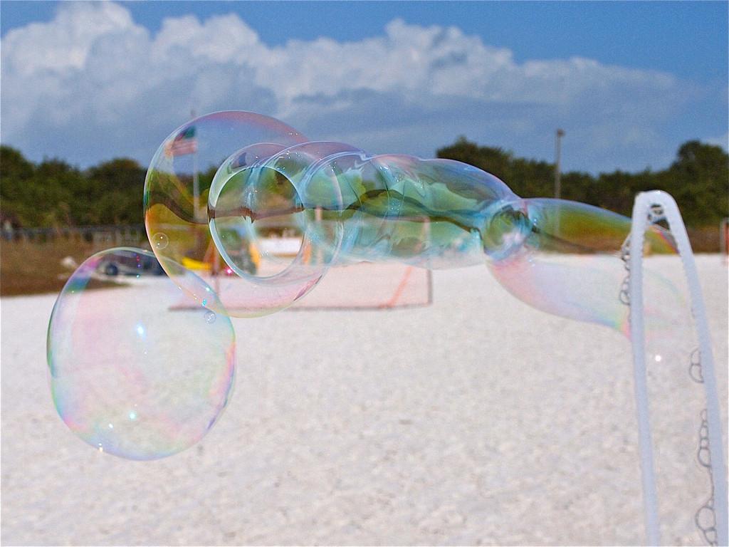 Third Place (Tie)<br /> Beach Bubbles<br /> Ann Holl