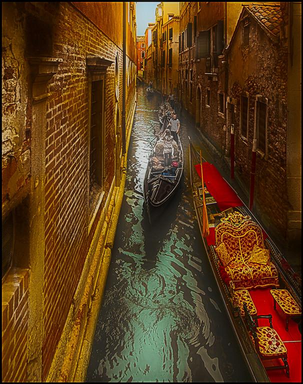First Place (Tie)<br /> Traffic Jam in Venice<br /> Bob Kenedi