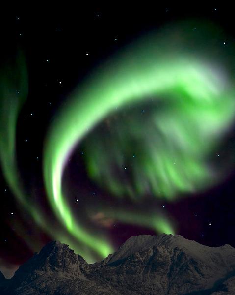 Second Place Tie<br /> Mountain Aurora<br /> Dave Garrison