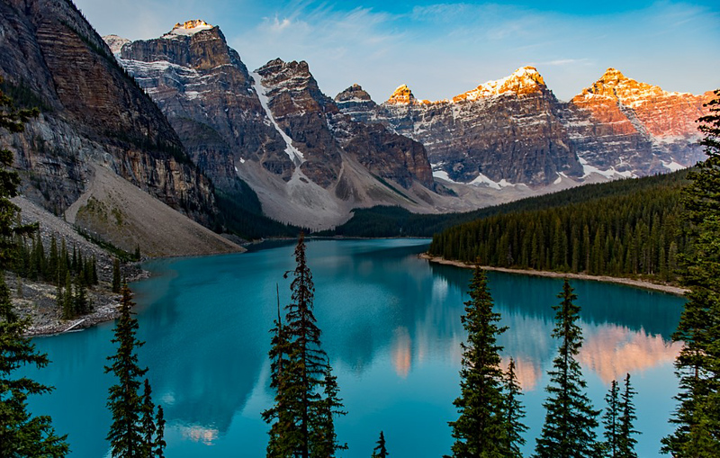 Third Place<br /> Moraine Lake Sunrise<br /> Rich Johnson