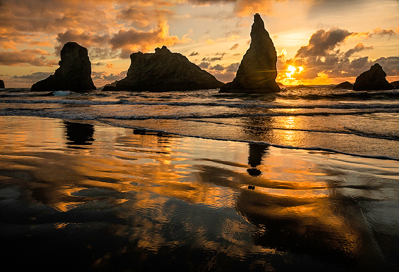 May <br /> Honorable Mention<br /> Projected Image Division<br /> Sea Stacks at Sunset<br /> Nancy Springer