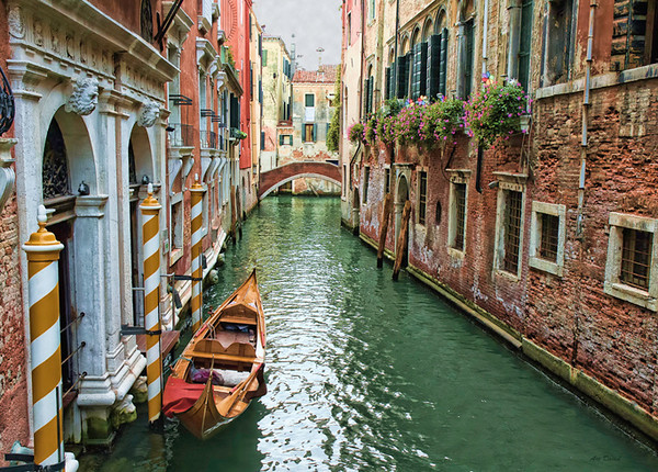 May<br /> Honorable Mention<br /> Photo Travel Division<br /> Venice Canal<br /> Art David