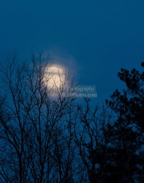 Rocky Mount Moonrise DSC_0121