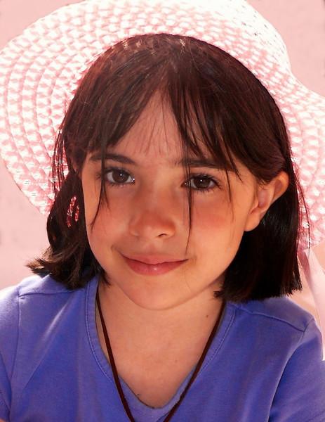 Portrait-Class B-Grace Hill-Girl in Pink Hat