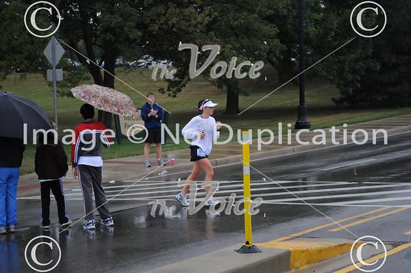 2011 Fox Valley Marathon along the Fox River through St. Charles, Geneva, Batavia, North Aurora, and Aurora in Kane County, IL 9-18-11