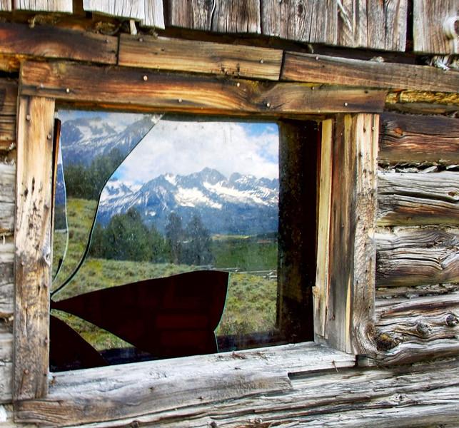 Doors&Windows-Class A-June White-Sawtooth