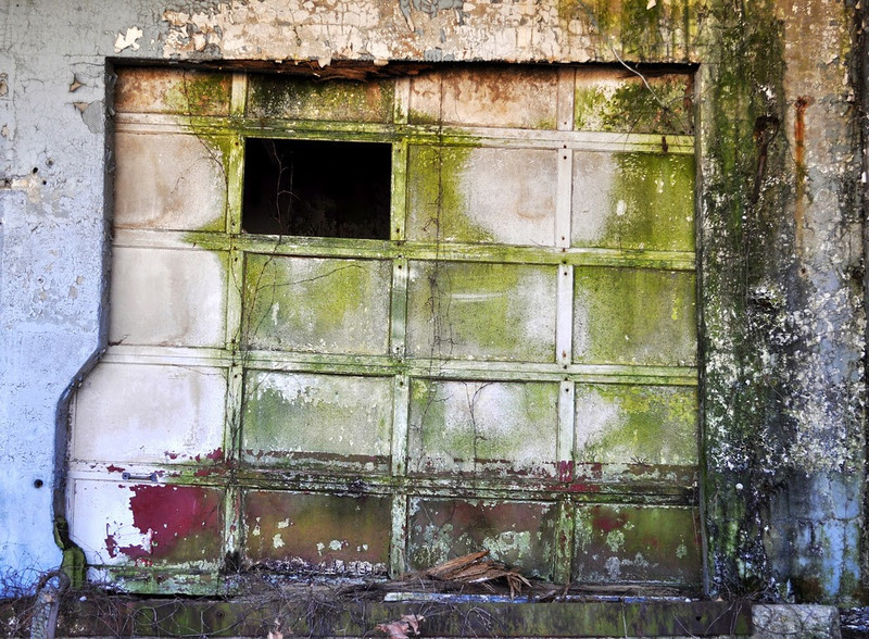Doors&Windows-Class B-Jean Marie Shubach-What's in There