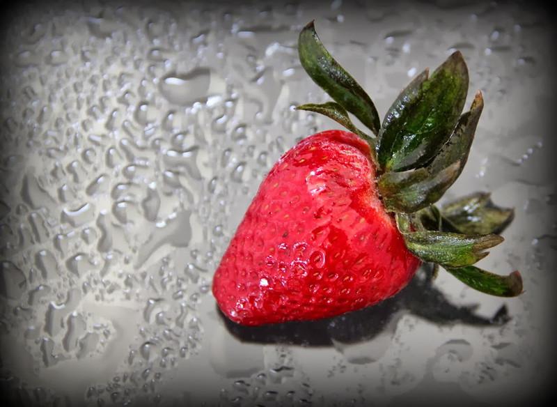 Open-Class B-Suzanne Faker-Strawberry in the Rain