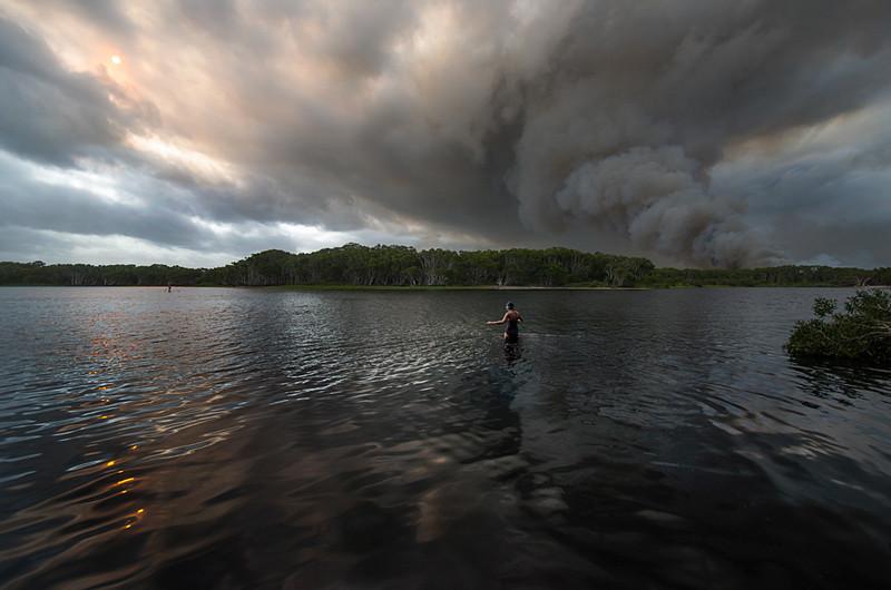 Bush fire at Lake Ainsworth