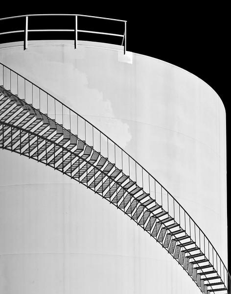 4-Advanced-Shadow_Light_Modern_Black_White_Photography-1-Robert_Martin-Petroleum_Tank