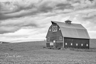 Palouse Barn, SE Washington, May 2016