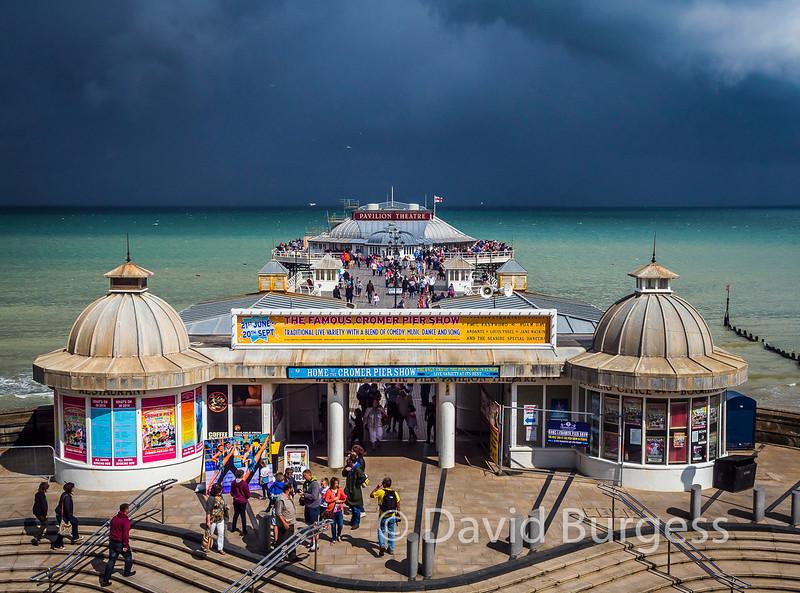 9 Storm Approaching Cromer Pier