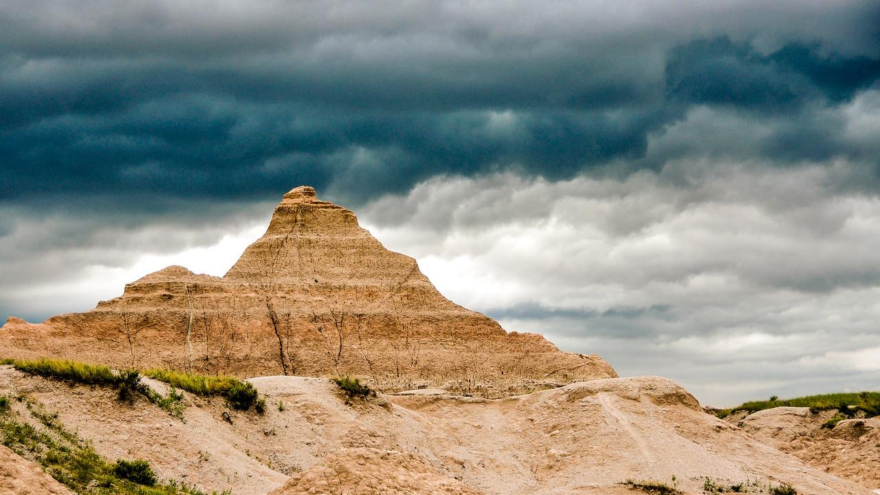 4-Advanced-Assigned_-_Stormy_Landscapes-DNP-Brent_Ovard-Badlands_Storm