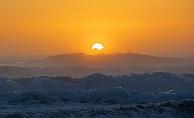 3-Intermediate-Assigned_-_Backlit_-_Main_light_source_is_behind_your_subjec-3-Lin_Cheong-Magnificent_Sunrise