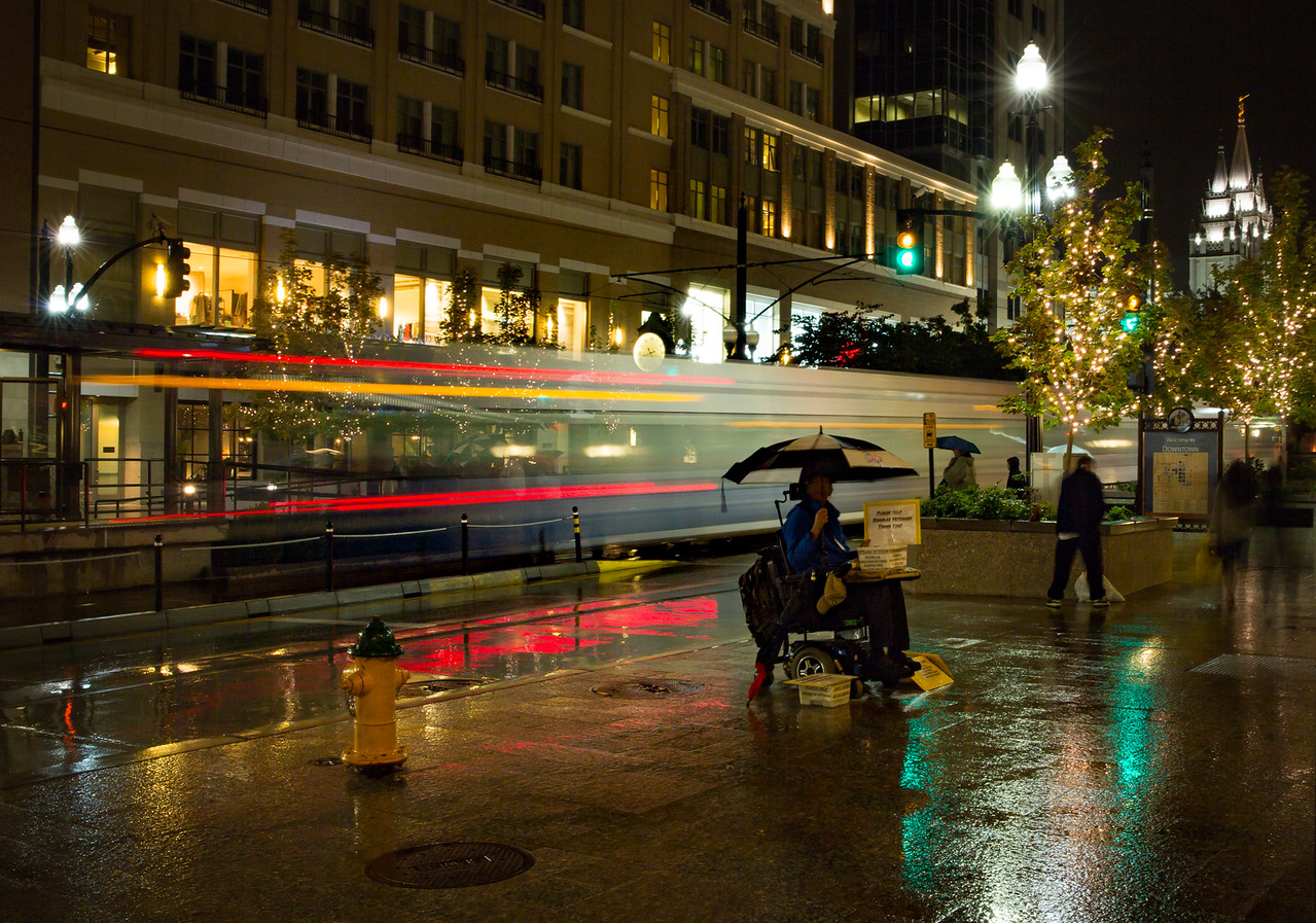 3-Intermediate-Assigned_-_Long_Exposure_-_Show_the_blur_of_movement-1-Larry_Hardwick-downtown_trax