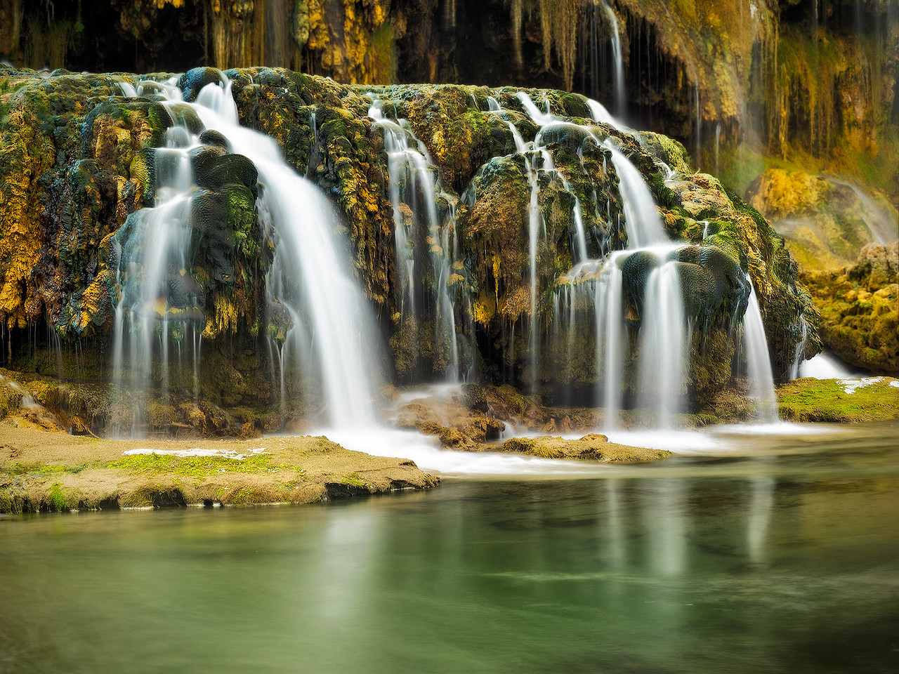 5-Master-Assigned_-_Long_Exposure_-_Show_the_blur_of_movement-DNP-Tom_Horton-Falls_Creek_Swan_Valley