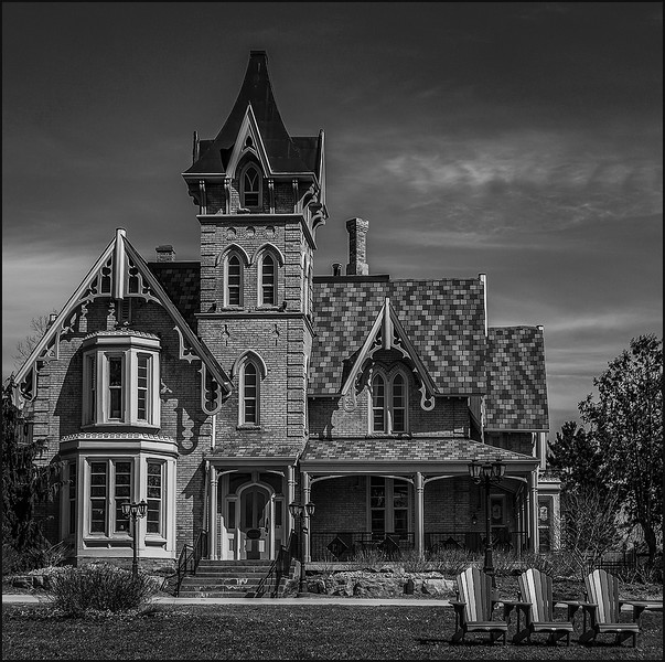 Elmhurst Inn
