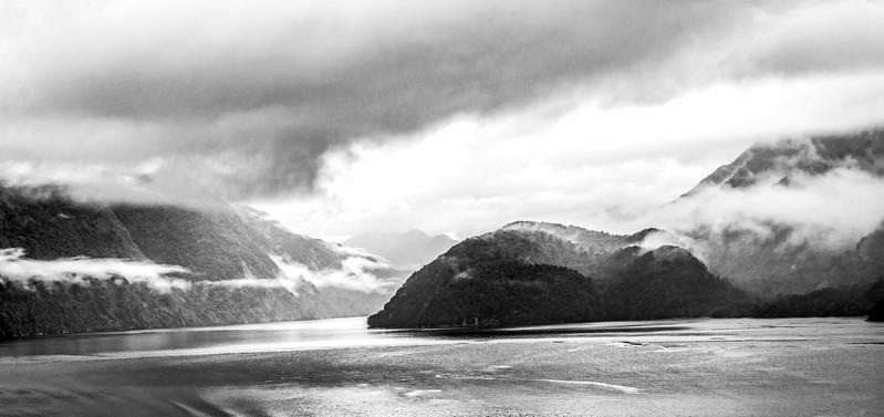 B&W-A-Tobé Saskor-Doubtful Sound