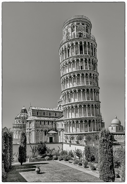 8.The Leaning Tower