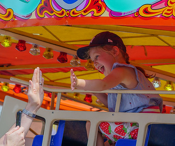 Hi Five at the fair