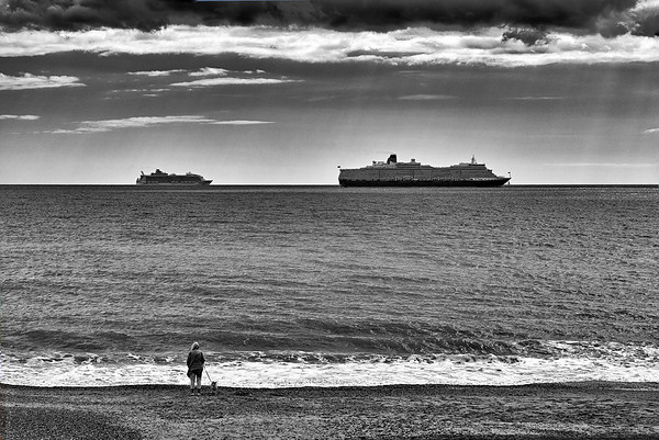 Rough Seas - Cruise Ships in Bournemoputh Bay