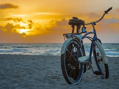 17_Bike at sunrise_Ian Rawlinson