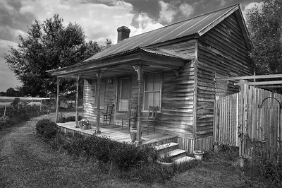 Title:     Old Homeplacae in Opelousas La. Maker:     Wilfred Smith Catagory:  Large B&W 1st.Place 2008 Annual Competition