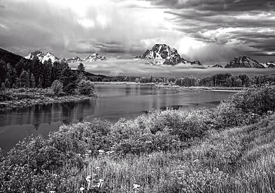 Monochrome/Black & White, First Place - Wayne Tabor - Fog on Oxbow Bend