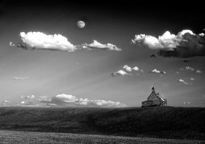 MONOCHROME/BLACK & WHITE: Second Place: Prairie Moon Rise: by Wayne Tabor: 16.9: