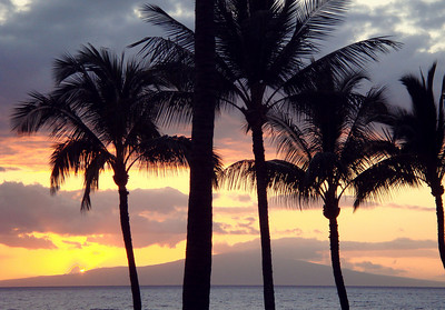 Sunset in Maui, observed from the Fairmont Kea Lani hotel in Wailea.