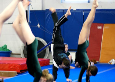 Handstand competition