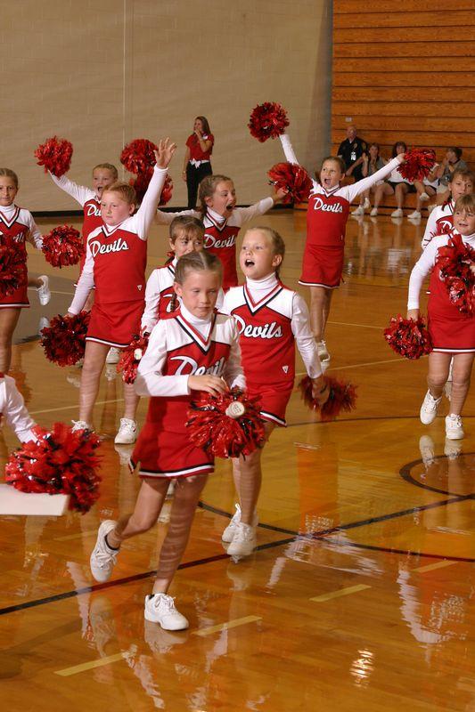Loganville East (Cheer-off 3rd grade 10-3-04)