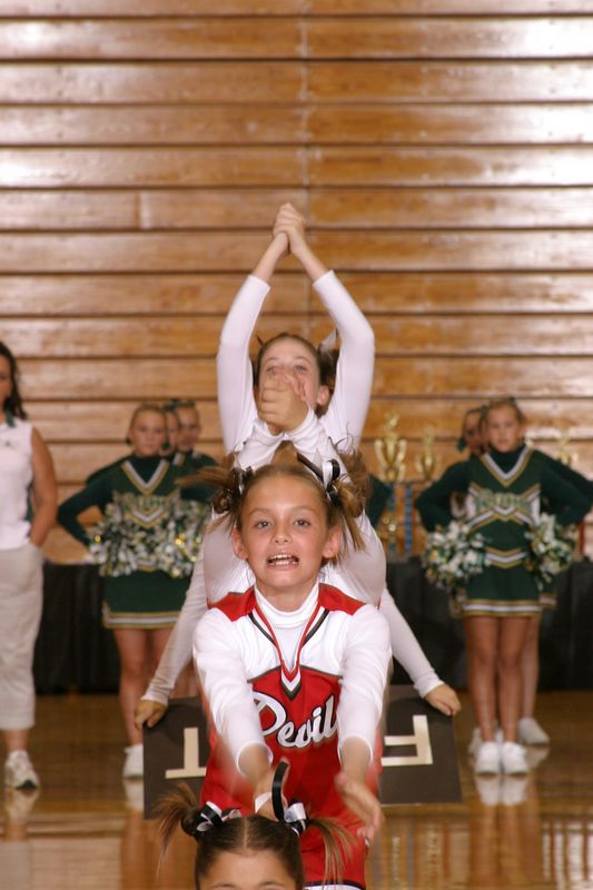 Loganville East(Cheer-off 6th grade 10-3-04)
