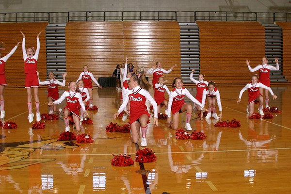 Loganville North (Cheer-off 6th grade 10-3-04)