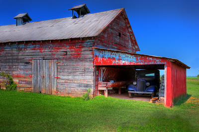 Red Barn, Blue Truck Maker:  Wayne Tabor Category:  Open Color Score:  13