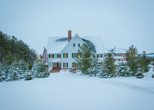Maker:  Don Angle<br /> Title:  Farm House in the Snow<br /> Category:  Landscape/Travel<br /> Score:  12