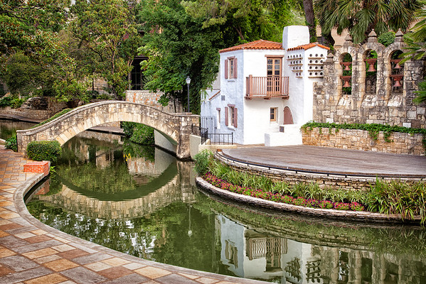 Maker:  Brian M Buckner<br /> Title:  Arneson River Theatre<br /> Category:  Cityscape<br /> Score:  12