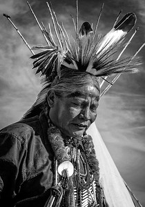 Maker:  Wayne Tabor Title:  Chief Category:  Black & White Score:  12