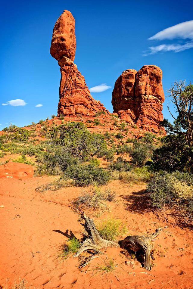 Maker:  Jim Lawrence Title:  Balancing Rock Category:  Landscape/Travel Score:  13