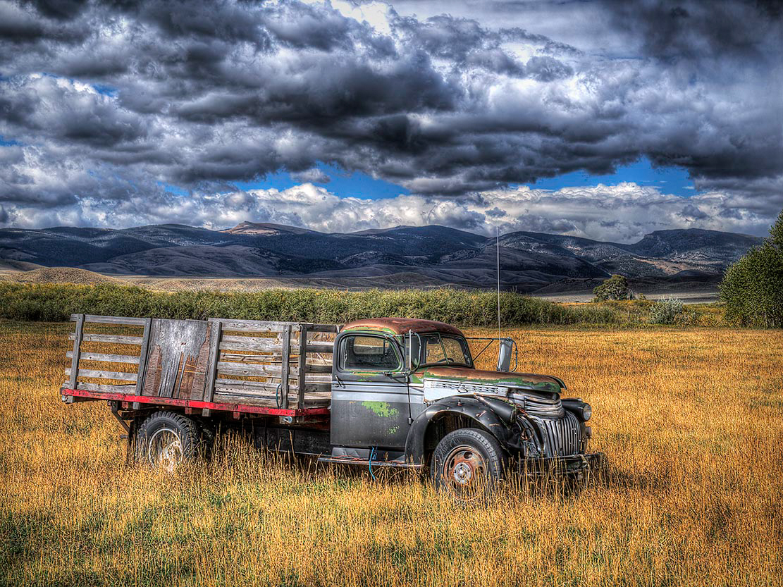 Maker:  Dwayne Anders Title:  Old Ride Category:  Landscape/Travel Score:  13