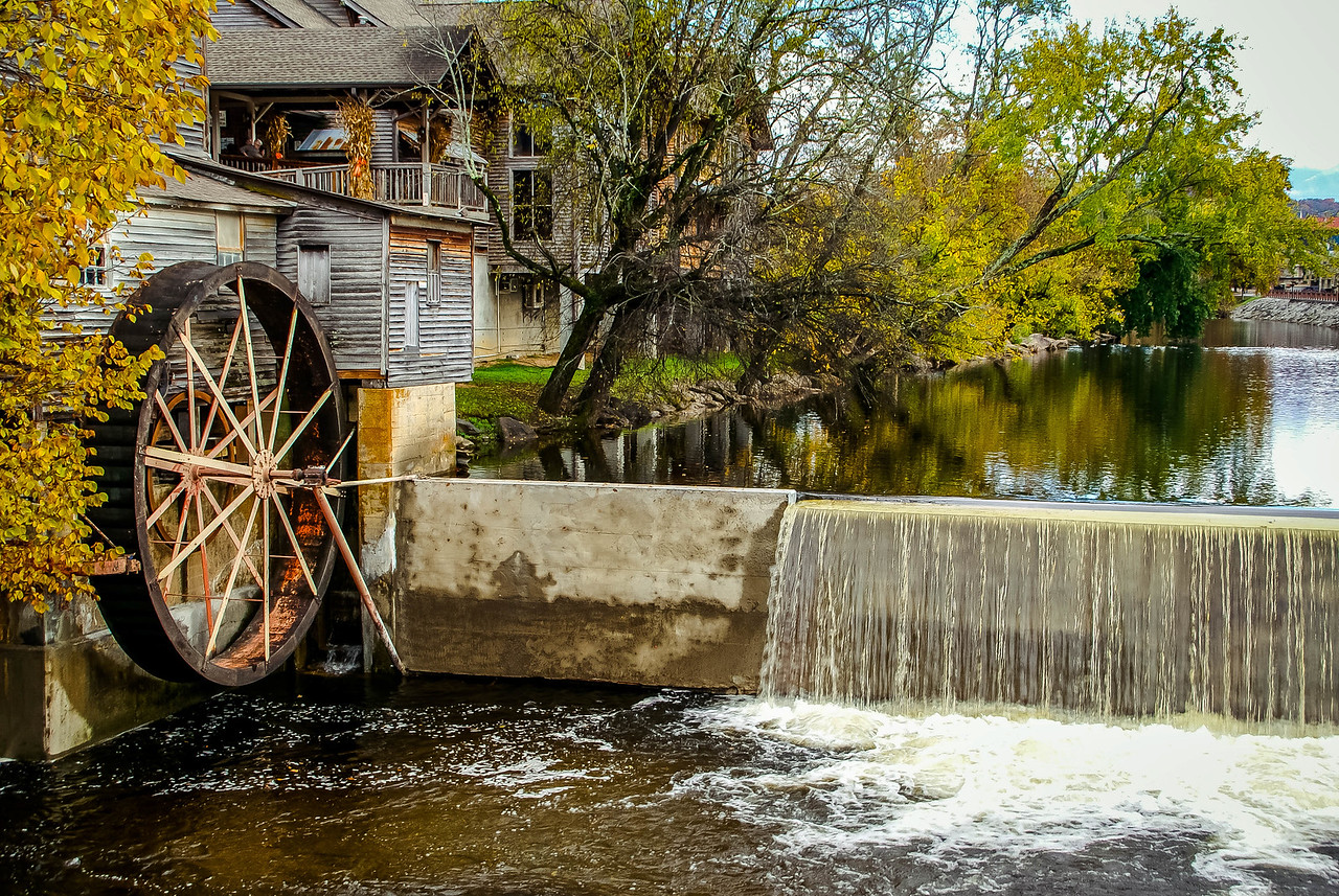 Maker:  Ted Miot Title:  Old Mill Category:  Landscape/Travel Score:  12