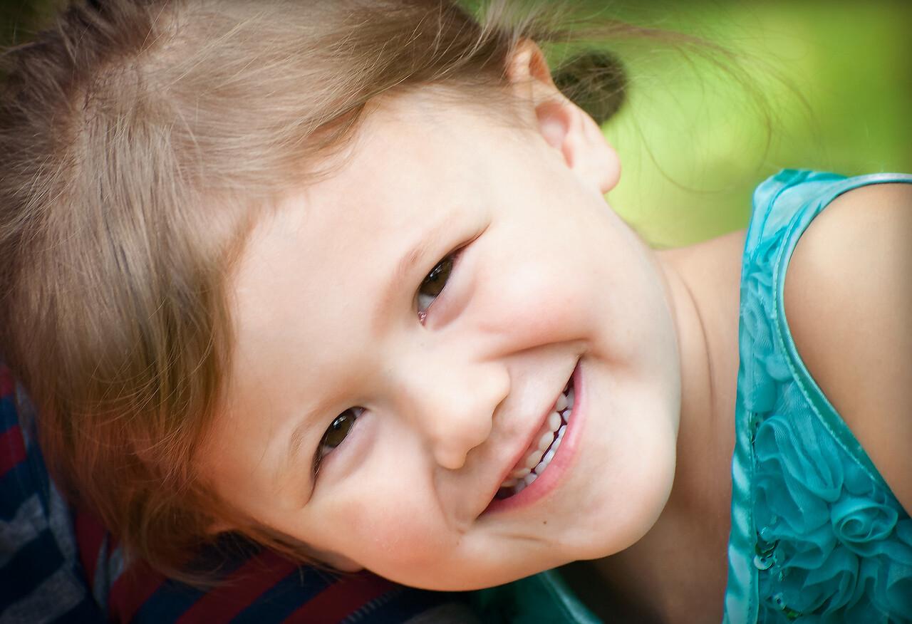 Maker:  Roger Hinton Title:  Smile Category:  Portraiture Score:  12